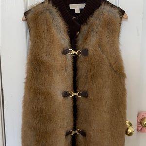 Michael kors fur vest beautiful gold clasps